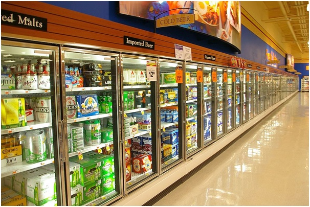 Chilled beams in commercial refrigeration